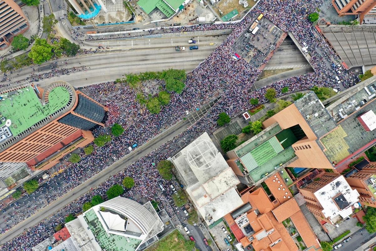 Las fotos de las masivas marchas en Venezuela contra el régimen de Nicolás Maduro