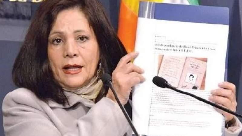 Tras su apoyo a Salvatierra, recuerdan a Amanda Dávila su accionar contra Raúl Peñaranda