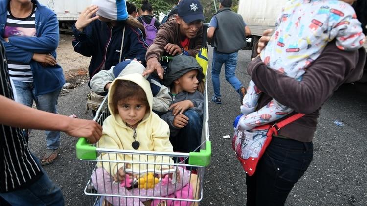 Las autoridades locales decidieron ayudar a los migrantes (Foto: AFP)