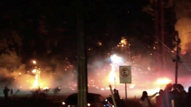 Un incendio en San Pedro De La Paz, en la Región del Biobío, Chile (Nicolas Vasquez via REUTERS)