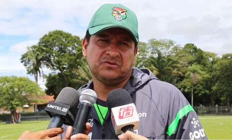 Eduardo Villegas evalúa el trabajo de la selección. Foto: Prensa FBF