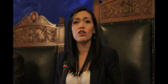 Las reacciones a la renuncia de senadora Salvatierra a su nacionalidad chilena