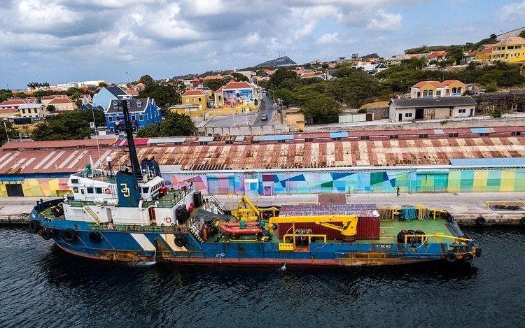 El barcoSeven Seas permanece en Wilemstad, a menos de 100 kilómetros de Venezuela (AFP)