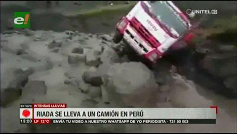 Avalancha de lodo deja 11 muertos en Perú