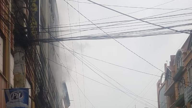 Reportan un incendio en una discoteca de El Alto
