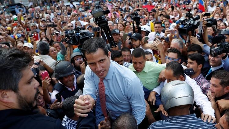 'No hay ningún tipo de inhabilitación': Juan Guaidó