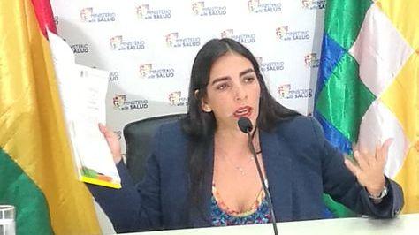 La ministra de Montaño en una conferencia de prensa. Foto: Min. Salud