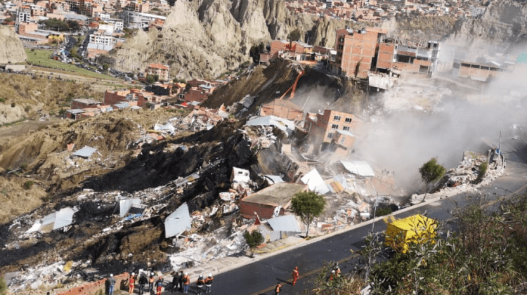 Más de 160 construcciones están afectadas por un deslizamiento en La Paz
