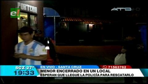 Menor es encerrado en un local de la Feria Barrio Lindo