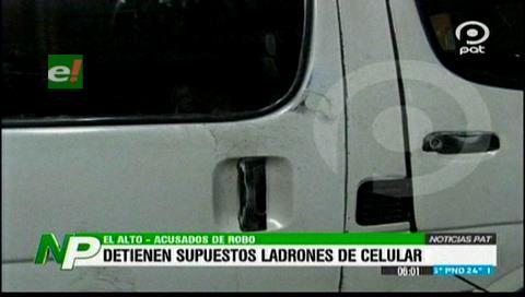 El Alto: Detienen a dos sujetos acusados de robar celulares