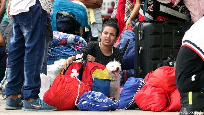 Peru Migranten aus Venezuela nutzen letzte Möglichkeit der Einreise (Reuters/G. Pardo)
