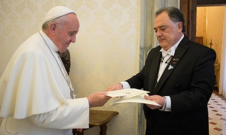 El Papa Francisco y el Eduardo Valdés.