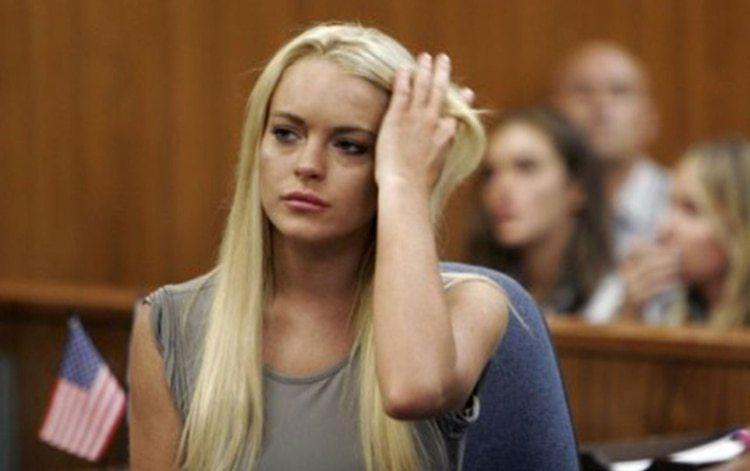 Lindsay Lohanfue sentenciada a 90 días de prisión a los 21 años (Foto: Archivo)