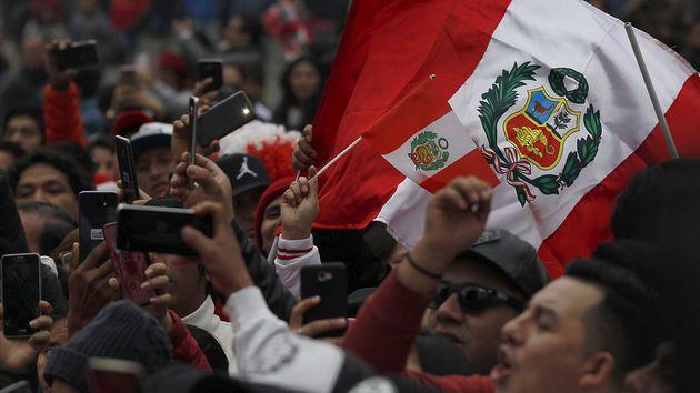 Recibimiento de héroes para la selección de Perú en su arribo a Lima