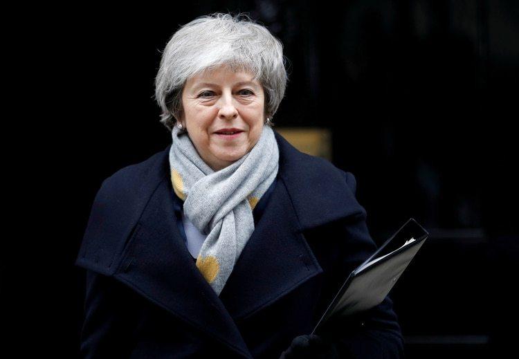 La primera ministra británica Theresa May sale de Downing Street (REUTERS/Peter Nicholls/archivo)