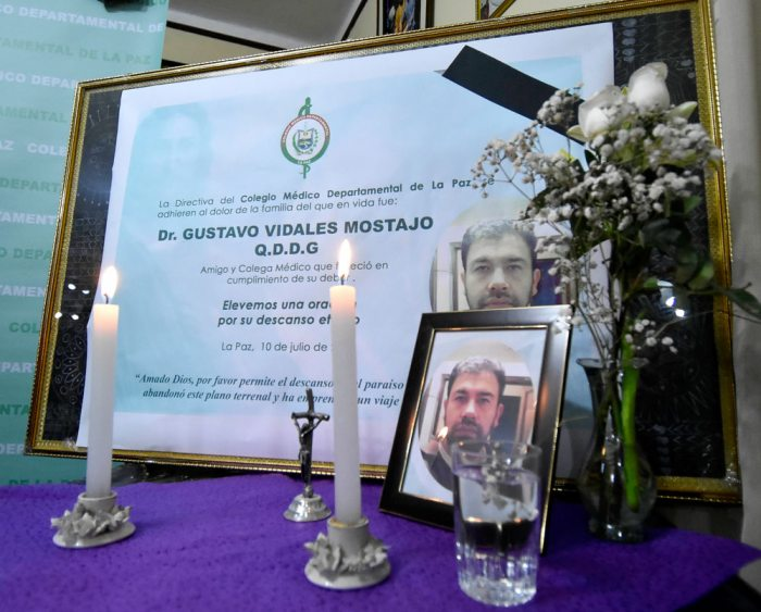 DUELO EN EL COLEGIO MÉDICO DE LA PAZ POR LA MUERTE DE GUSTAVO VIDALES.