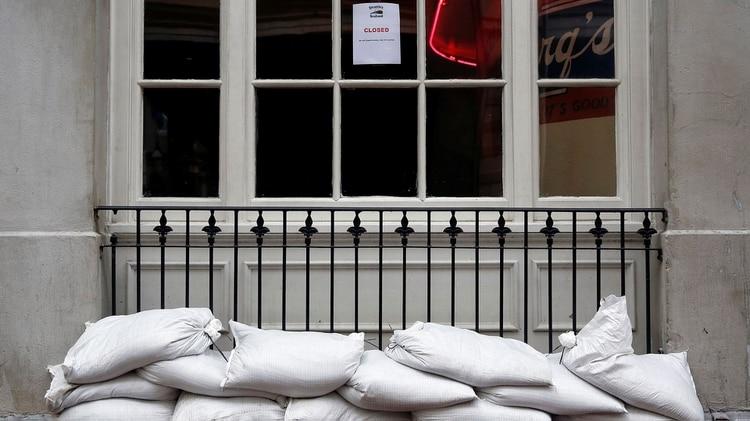 Miles de personas ya evacuaron por Barry (Fotos: EFE y REUTERS)