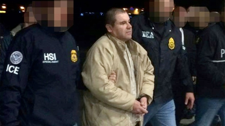 """""""El Chapo"""" Guzmán al momento de su extradición a EEUU (Foto: Archivo)"""