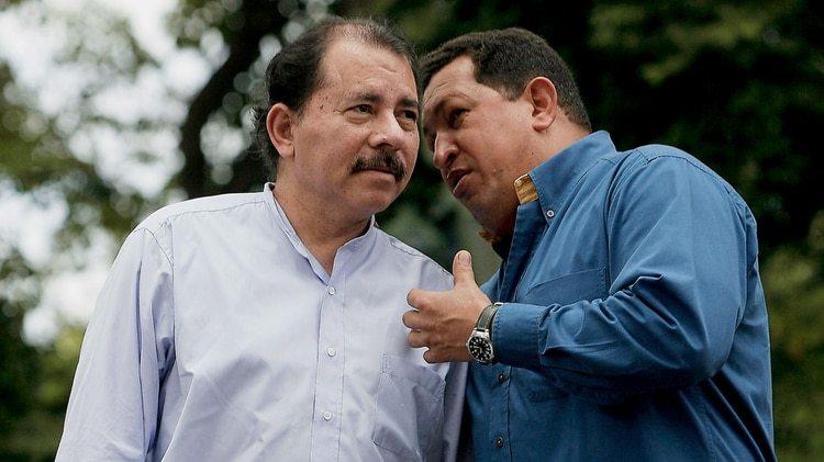Daniel Ortaga y Hugo Chávez forjaron una alianza política y de negocios
