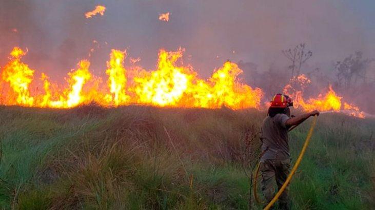 Incendio en la Reserva Natural Tatí Yupí, Hernandarias, Alto Paraná (Foto: Itaipú)