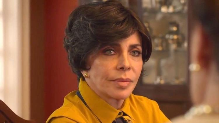 Verónica Castro no quiere volver al ojo público después del escándalo (Foto: Netflix)