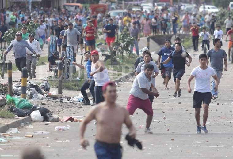 Violencia en la rotonda del Plan Tres Mil. (Foto: Rolando Viellgas)