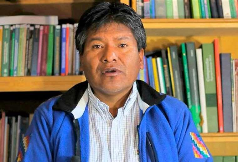 Renuncia gobernador de Oruro, no da la cara y su carta es leída por Obispo - eju.tv