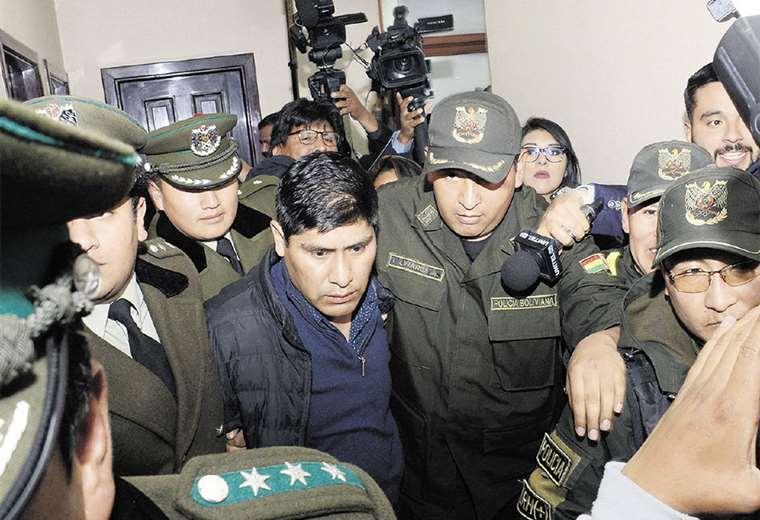El exvocal Idelfonso Mamani fue enviado ayer a la cárcel de San Pedro. No tendrá contacto con Costas. Foto: APG  Noticias