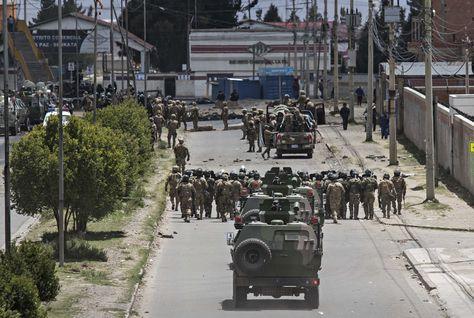Un contingente militar toma control de la planta de hidrocarburos de Senkata (El Alto) y alrededores, tras la operación para liberar carburantes realizada el 19 de noviembre.