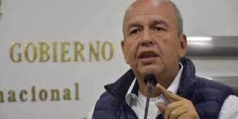 Ministro de Gobierno le pide a la policía no defraudar a Jeanine Añez El ministro de Gobierno, Arturo…