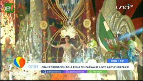 Majestuosa coronación de la reina del carnaval cruceño