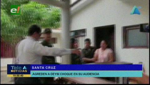 Agreden a Deisy Choque y sus acompañantes a la salida del juzgado en Montero