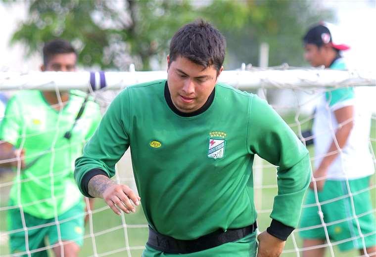 Romel Quiñónez será una de las bajas del equipo refinero para el partido del domingo ante los albos. Foto: Rolando Villegas