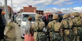 #LaPaz Pobladores de Achacachi insisten en viajar pese a la cuarentena; militares re… #LaPaz Pobladores de Achacachi insisten en…