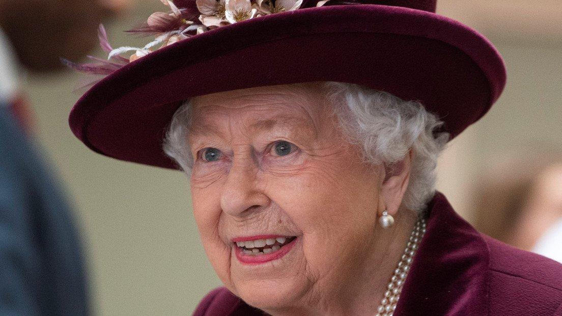 Isabel II deja el Palacio de Buckingham ante avance del coronavirus