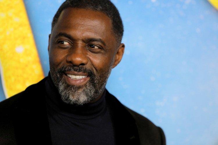 Idris Elba dio a conocer el lunes que tiene coronavirus. En un video en Twitter, dijo que está bien e instó a sus admiradores a mantenerse aislados