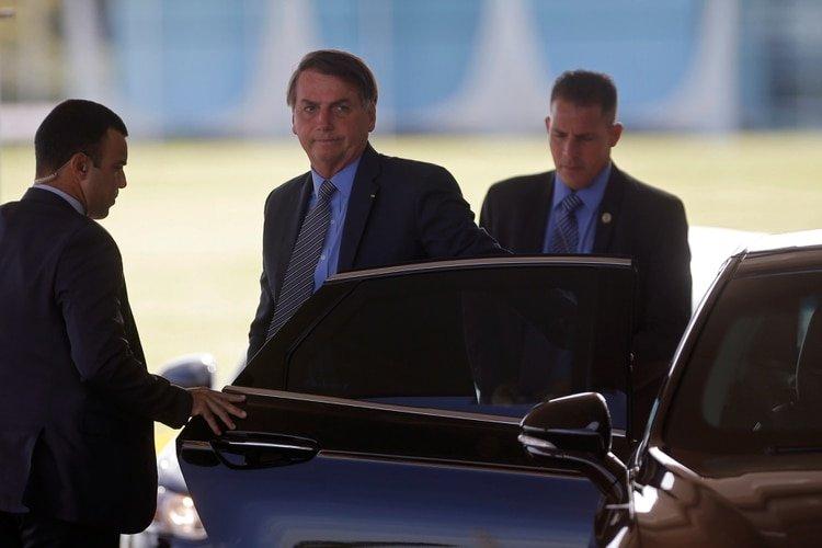 Jair Bolsonaro a la salida del Palacio del Planalto, en Brasilia (REUTERS/Adriano Machado)