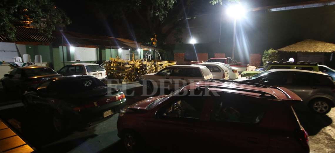 Más de 50 vehículos han sido retenidos por la Policía este miércoles. Foto: Jorge Gutiérrez