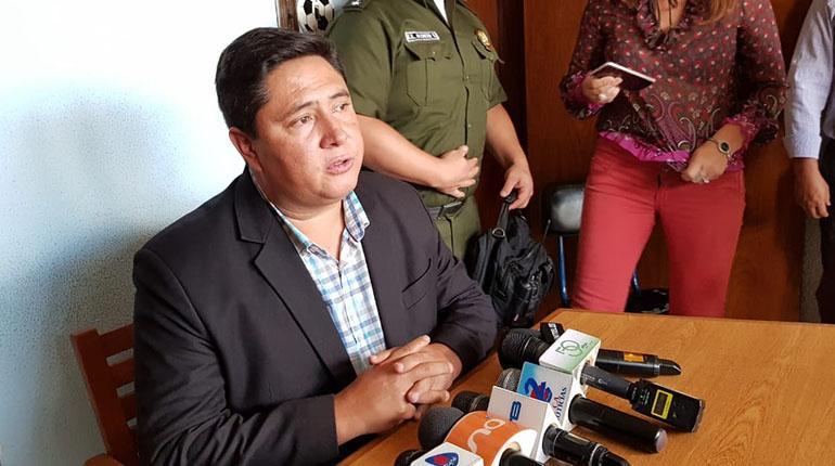 Resultado de imagen de El ministro de Trabajo, Oscar Mercado