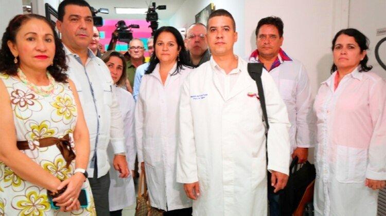 Este miércoles llegó a Nicaragua una brigada de médicos cubanos. (Tomada de 19 Digital)