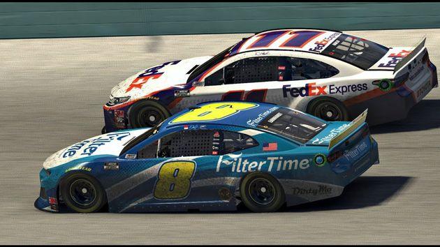 Pilotos del NASCAR hicieron una carrera virtual