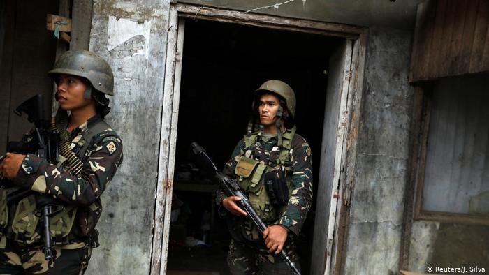 Fuerzas del Ejército de Filipinas.