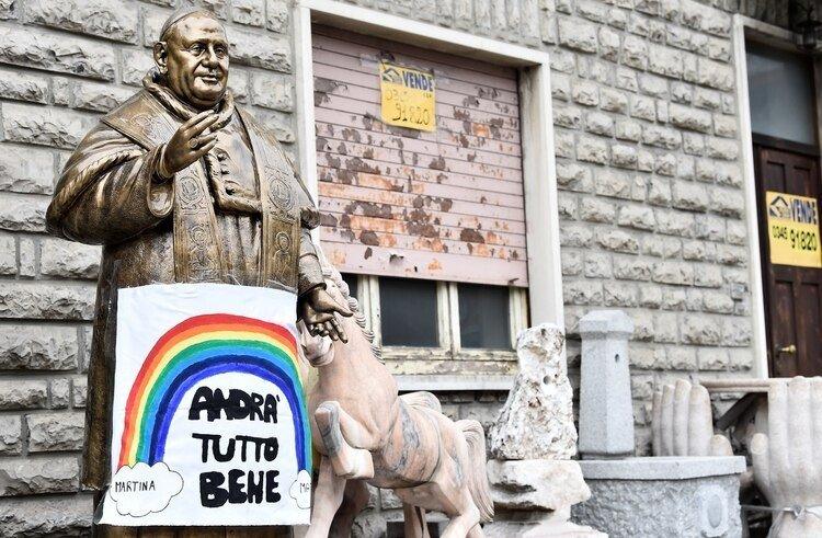 Un cartel alentador en Bergamo (Foto: REUTERS/Flavio Lo Scalzo)