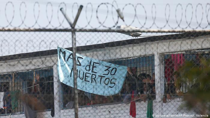 Kolumbien Bogota | Gefängnis, Ausbruchsversuch (picture-alliance/AP Photos/I. Valencia)