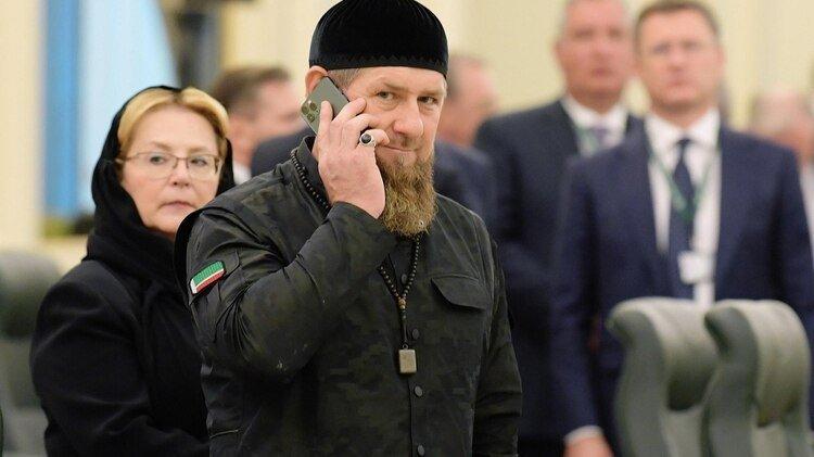 Ramzan Kadyrov recomendó té con limón para inmunizar el organismo antes de que avanzara la pandemia por el coronavirus en su país (Shutterstock)