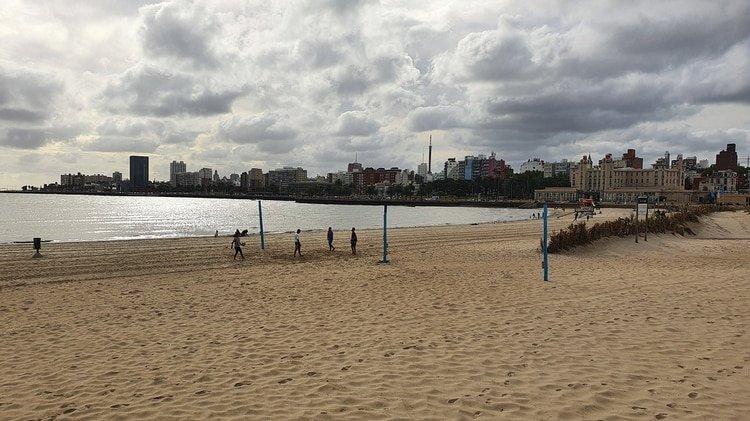 La playa de Montevideo, capital de Uruguay
