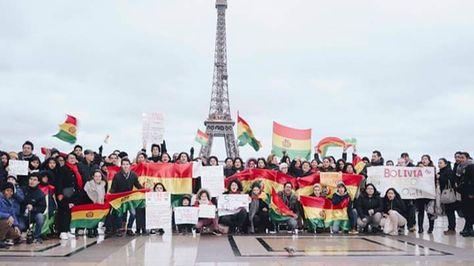 Un encuentro de la comunidad boliviana en Paris. Foto: Facebook/Activistas Bolivianos en Francia