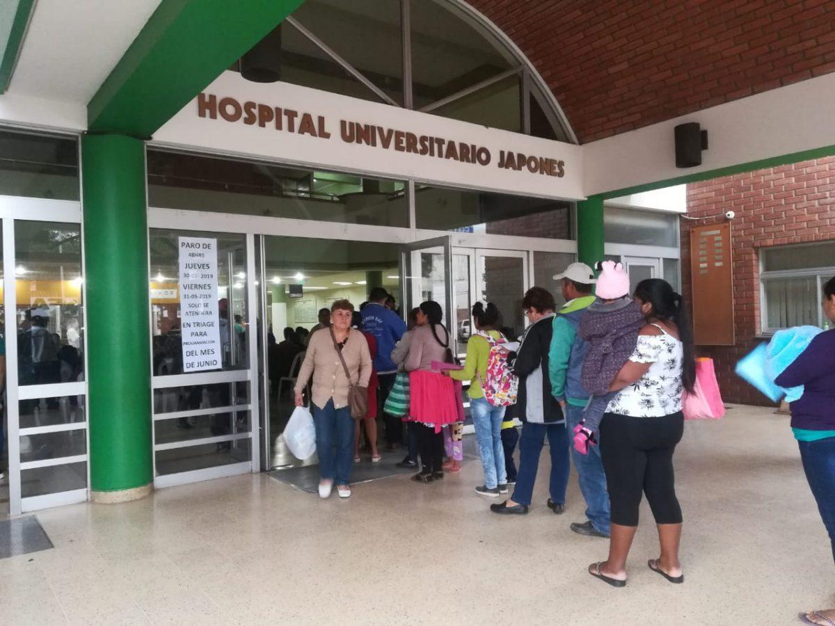 Enfermera rompe en llanto tras atender sin protección a paciente con coronavirus