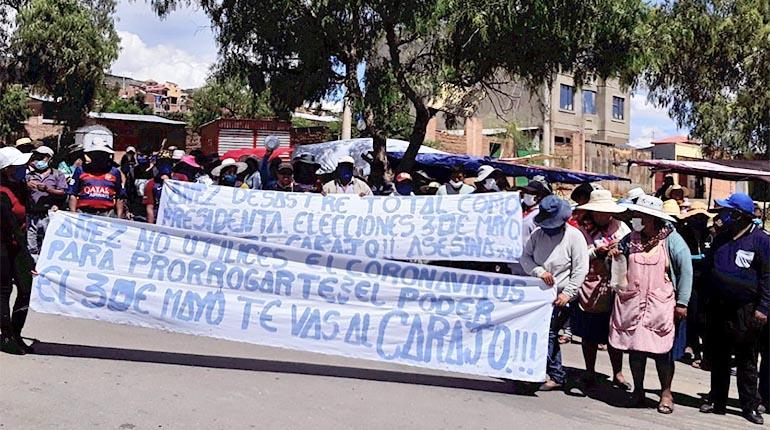 Cochabamba: Vecinos del distrito 15 marchan con cacerolas vacías y rompen la cuarentena