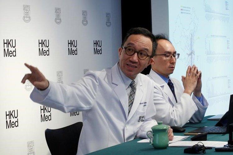 Gabriel Leung, profesor de Salud Pública de la Escuela de Medicina de la Universidad de Hong Kong, se refiere a los contagios de la nueva cepa de coronavirus aparecida en Wuhan. Era el 21 de enero y el académico ya advertía sobre las consecuencias del brote (Reuters)